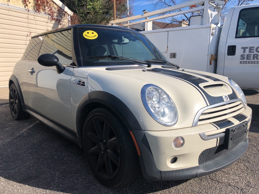 Pre-Owned 2005 MINI Cooper S Base